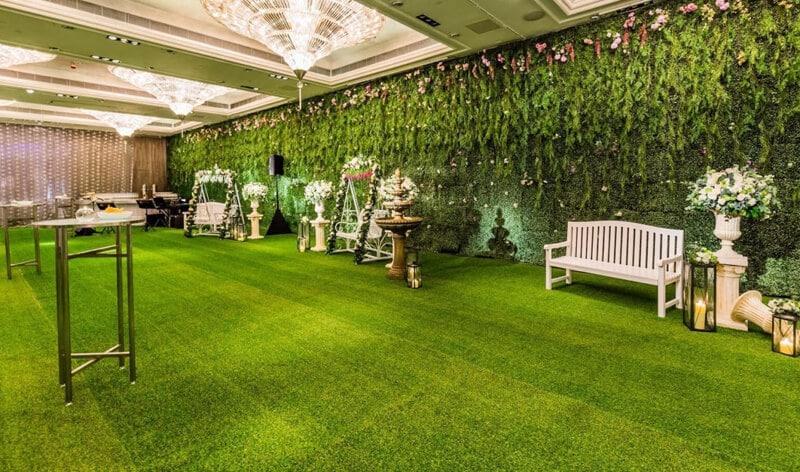 Trang trí không gian phòng bằng thảm cỏ hiện nay