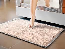 Chọn thảm trải sàn lý tưởng cho phòng tắm bạn cùng thử
